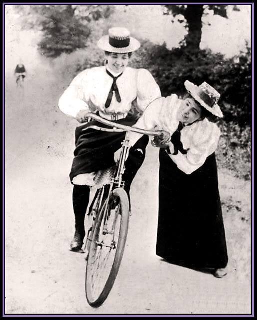 WomenCyclist895